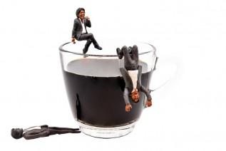 コーヒーカップの松崎しげる